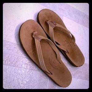 RAINBOW Size 6/6.5 Women's Tan/Brown Flipflops